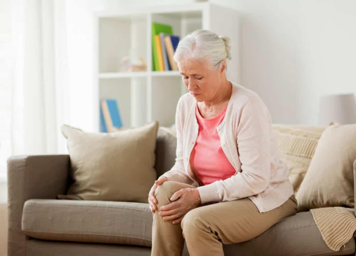 women knee pain